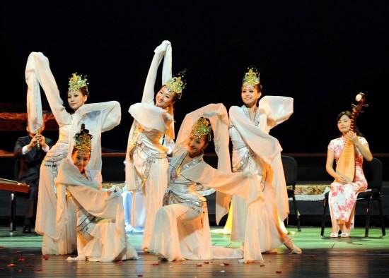 贵州职航空工业技师白云校区:民族音乐与舞蹈